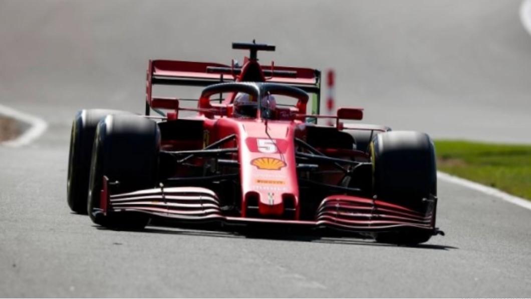 Ferrari potvrdio da Vettel dobija novu šasiju u Španiji