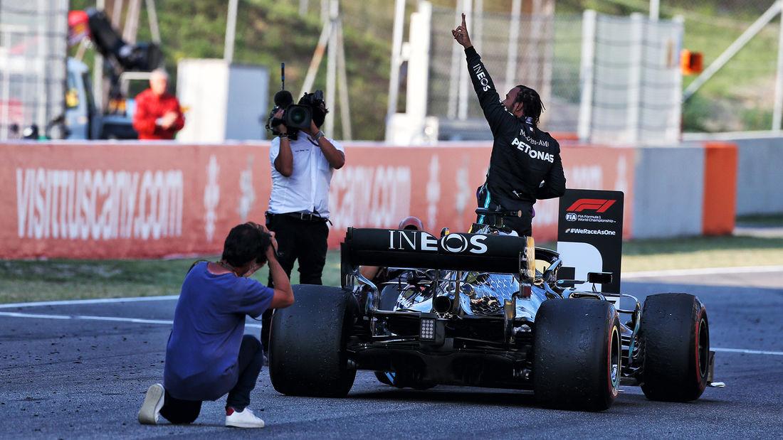 Hamiltonu se 'ne čini stvarnim' što je 1 pobjedu od izjednačavanja sa Schumacherom